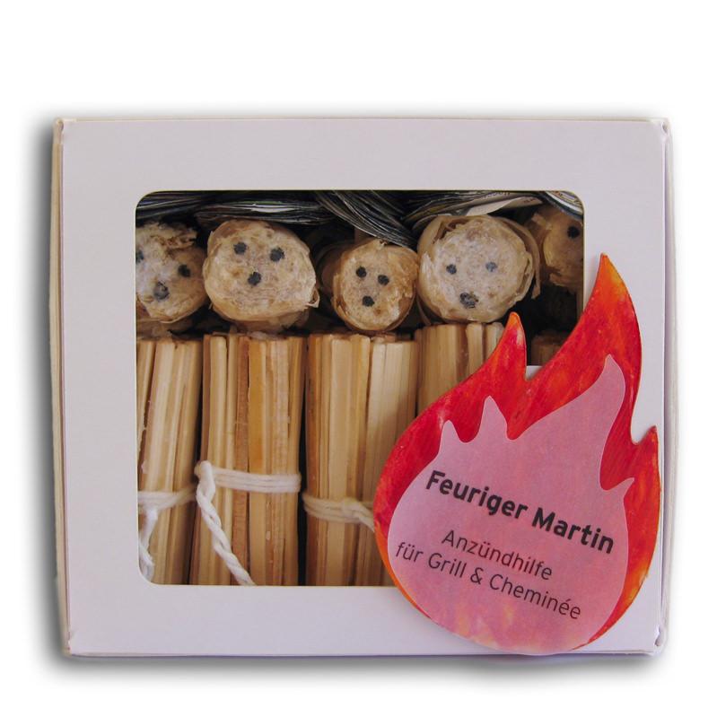 Eine Schachtel mit zehn Anzündhilfen vom Feurigen Martin im Verkauf.
